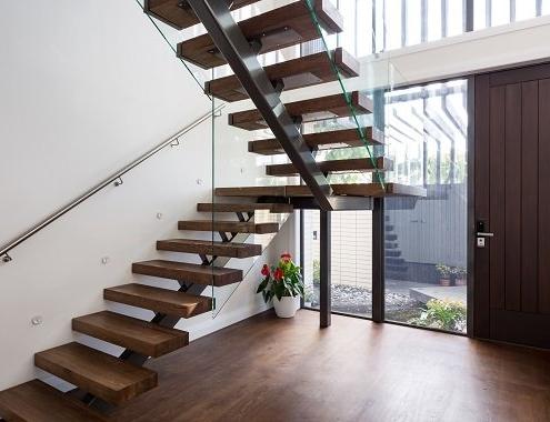 Surrey mono / single stringer staircase - Brighton Stairs - Sussex